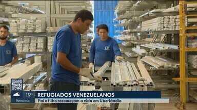 Refugiados da Venezuela, pai e filho conseguem emprego e moradia em Uberlândia - Eles estavam em Roraima desde agosto de 2018. Chegaram à cidade mineira nesta semana e vão trabalhar em uma empresa de alumínio.