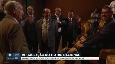 Empresários querem ajudar na restauração do Teatro Nacional - Grupo quer oferecer ajuda para reforma.