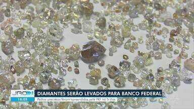 Pedras preciosas apreendidas pela PRF serão entregues à Caixa Econômica - Diamantes foram apreendidos há cinco dias.