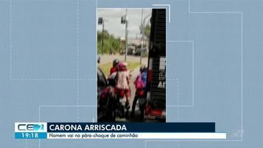 Veja o flagrante de homem pendurado em caminhão - Confira mais notícias em g1.globo.com/ce