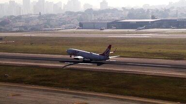 Ponte aérea Rio-São Paulo foi criada há 70 anos - Veja os bastidores de Congonhas e a história da ponte aérea. Veja também o trabalho dos bombeiros que atuam dentro do aeroporto.