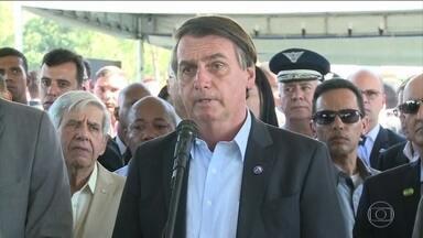Bolsonaro comenta prisão suspeitos de invadir celulares e declara apoio a Sérgio Moro - O presidente disse que Moro não irá destruir as mensagens tiradas pelos hackers dos celulares das autoridades.