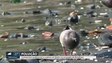 Ressaca quebra comportas e deixa sujeira na enseada de Botafogo - Moradores de Botafogo estão preocupados com o nível de poluição da Baía de Guanabara. A ressaca da semana quebrou as comportas que bloqueiam a sujeira dos dois rios que desaguam na enseada de Botafogo.