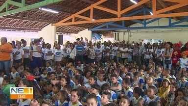Prefeitura do Recife lança programa para empregar 2,7 mil pessoas na cidade - Programa Frentes de Trabalho Miguel Arraes promete oferecer vagas de emprego em escolas e postos de saúde.