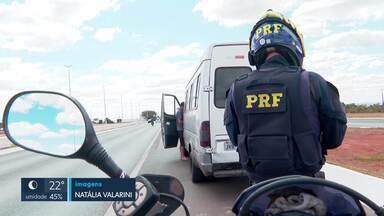 Flagrantes de transporte pirata nas rodovias do DF e entorno - Veículos não oferecem segurança aos passageiros, que correm risco.