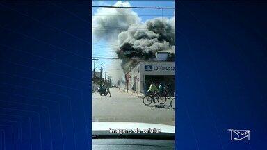 Incêndio atinge loja no centro de Bacabal - Incêndio foi registrado no início da tarde desta terça-feira (30).