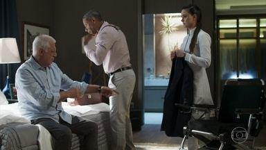 Alberto acredita que está ótimo após o resultado do seu exame - O médico de Alberto fica surpreso com os resultados positivos do exame