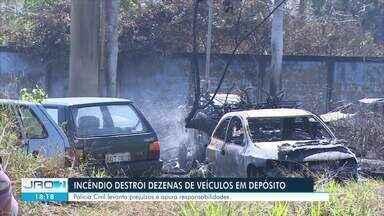 Incêndio florestal atinge pátio do depósito da Polícia Civil em Porto Velho - Parte dos veículos apreendidos foram destruídos pelo fogo.