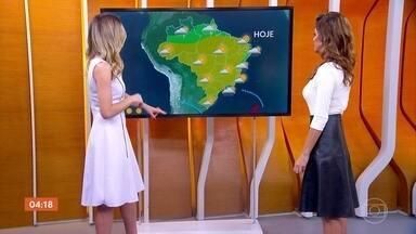 Frente fria pode provocar chuva no RJ nesta quarta-feira - Em São Paulo, o tempo fica firme. A previsão é de tempo seco em boa parte do país.