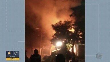 Incêndio atinge prédio da prefeitura de Virgínia e destrói salas e arquivos - Incêndio atinge prédio da prefeitura de Virgínia e destrói salas e arquivos