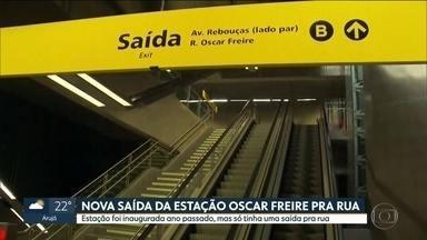 Governo abre saída da estação Oscar Freire para a Avenida Rebouças, sentido Faria Lima - A estação foi inaugurada em abril do ano passado, mas o passageiro só podia acessar a estação pelo outro lado da rua.