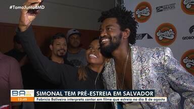 Fabrício Boliveira participa de pré-estreia de filme em homenagem a Wilson Simonal - História do cantor vai ser contada nos cinemas de todo o Brasil a partir do dia 8 de agosto.