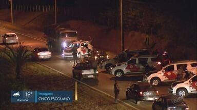 Polícia prende em Ribeirão Preto quadrilha que roubou carga de arroz - Caminhão estava na marginal da Rodovia Anhanguera e trânsito ficou lento.