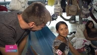 Um dos abrigos de refugiados em Roraima recebe apenas índios venezuelanos - Local trabalha para respeitar a cultura e preservar os costumes das duas etnias que dividem o espaço