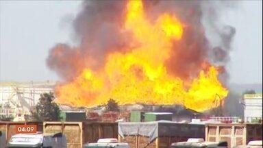 Bombeiros controlam incêndio em tanque de etanol que explodiu no interior paulista - Depois de 20 horas de trabalho, o Corpo de Bombeiros conseguiu controlar o incêndio no reservatório, que tem capacidade para armazenar 64 milhões de litros de combustível em Nova Independência.