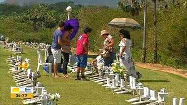 Domingo de Dia dos Pais movimenta cemitério na Região Metropolitana - Saiba mais em g1.com.br/ce