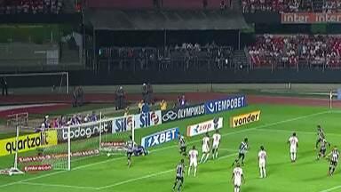 Times paulistas jogam na 14ª rodada do Campeonato Brasileiro - Teve clássico cheio de gols entre São Paulo e Santos, polêmicas de arbitragem no jogo do Palmeiras e empate do Corinthians.