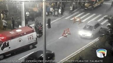Idoso morre atropelado na Charles Schneider em Taubaté - Acidente foi no domingo (9).