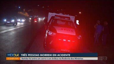 Três pessoas morrem em acidente na Rodovia dos Minérios - Batida foi entre um carro e um ônibus ontem (13) à noite.