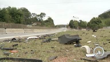 Motorista embriagado causa acidente após dirigir por 16 km na contramão - Acidente aconteceu no trecho de Paraibuna, depois que motorista dirigiu por 16 quilômetros na contramão da rodovia.