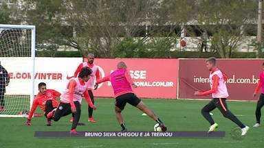 Inter tem semana dedicada aos treinos - Bruno Silva participa das atividades com os outros jogadores.