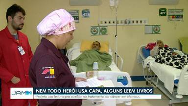 Projeto usa leitura para auxiliar no tratamento de câncer, em Manaus - Voluntários levam livros como conforto para pacientes.
