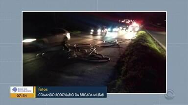 Caminhão bate em poste entre Caxias e Farroupilha e deixa região sem energia elétrica - Assist ao vídeo.