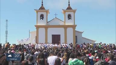 Milhares de fiéis clebram a Assunção de Nossa Senhora em Caeté, na Grande BH - Santuário da Serra da Piedade teve programação durante todo o dia