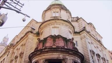 Palácio da antiga Bolsa do Café preserva parte importante da história paulista - Conheça também o grupo de mulheres que fazem terços a partir de técnica de monges europeus.