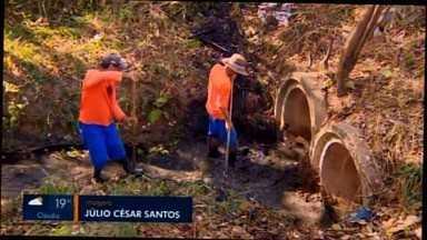 Rios e Córregos passam por limpeza em Divinópolis - Ação é coordenada pela Secretaria Municipal de Operações e Serviços Urbanos.