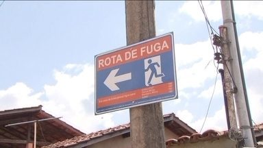 Milhares de moradores de Itabira/MG participam de simulado de fuga - A cidade é cercada por barragens, e os moradores receberam treinamento para o caso de rompimento de uma delas. Alguns apontaram falhas nos sistemas de alerta.