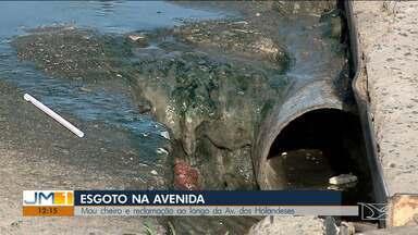 Comerciantes reclamam de mau cheiro provocado por esgoto estourado em avenida de São Luís - Mau cheiro do esgoto estourado ao longo da Avenida dos Holandeses incomoda comerciantes da área.