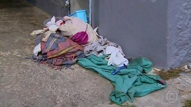 Três moradores de rua são atropelados durante a madrugada, em São Paulo - No interior do estado, uma moradora de rua foi assassinada.
