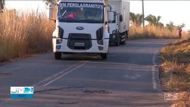 MA-026 está em péssimas condições no Maranhão - A estrada teve até uma parte interditada durante um protesto.