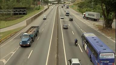 Radares móveis da rodovia Presidente Dutra são retirados no trecho do Alto Tietê - Medida atende uma determinação do presidente Jair Bolsonaro.