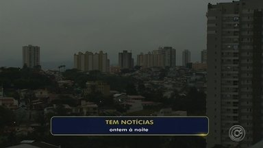 Chegada de frente fria escurece céu e chama a atenção em cidades da região - Chegada de frente fria escurece céu e chama a atenção em Sorocaba e Jundiaí (SP).