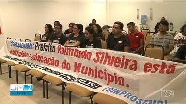 Em greve, professores de Parnarama pedem apoio a deputados em São Luís - Segundo eles, a Prefeitura de Parnarama estaria alterando leis e prejudicando os professores.