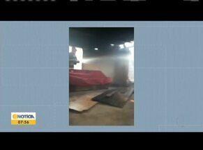 Homem é preso suspeito de atear fogo na casa do irmão em Governador Valadares - Casa ficou destruída e a motivação do crime é desconhecida; bombeiros gastaram dois mil litros de água para conter o fogo.