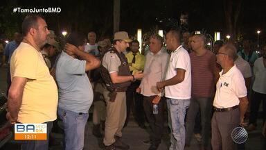 Taxista é morto a tiros depois de discutir com colega na noite de segunda, no Campo Grande - A vítima estava em um táxi que alugava para trabalhar quando um homem, que ainda não foi identificado, cheguo e atirou.