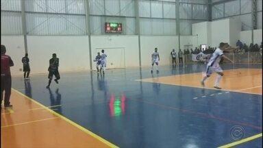 Botucatu perde para Dracena pela Liga Paulista de Futsal - A Liga Botucatuense estreou na semana passada e perdeu por 4 a 0 para Dracena, pelo Grupo A.