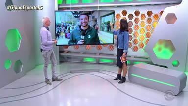 Maurício Saraiva comenta destaque do Edenílson no Inter - Maurício avalia o que Colorados precisam para garantir vantagem na Libertadores.