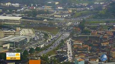 Saiba como está o trânsito em diversos pontos de Salvador no início desta sexta-feira - Movimento é intenso nas vias que dão acesso à capital baiana.