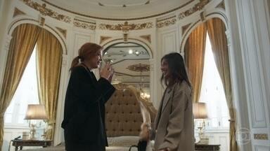 Valéria e Camila se divertem na Europa - Depois de passarem em todos os bancos e fazerem a limpa nas contas do Norberto, elas comemoram em hotel de luxo