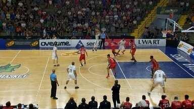 Fora de casa, Bauru Basket joga contra o São João da Boa Vista - Pelo Campeonato Paulista, o Bauru Basket joga, neste domingo (25), contra o time de São João da Boa Vista.