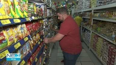 Comerciantes da comunidade movimentam a economia no Curado - Moradores dizem que é mais fácil comprar produtos em estabelecimentos de pessoas conhecidas