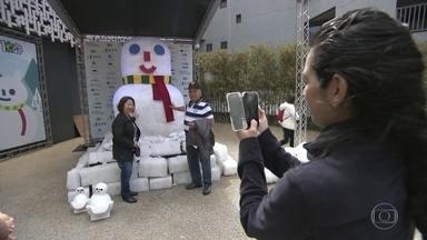 Bonecos de neve na Avenida Paulista são presente japonês de retribuição - Vaquinha feita no Brasil juntou R$ 70 mil para desabrigados por terremoto no Japão. O Fantástico foi até o outro lado do mundo para mostrar esse gesto de agradecimento.