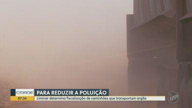 Justiça determina fiscalização de caminhões que transportam argila - Medida é para polo cerâmico de Santa Getrudes e visa reduzir poluição.