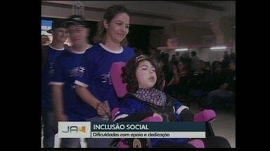Evento em Chapecó estimula interação e inclusão de deficientes na sociedade - Evento em Chapecó estimula interação e inclusão de deficientes na sociedade