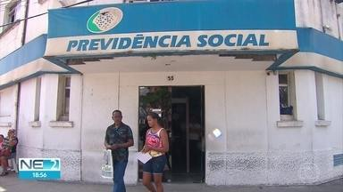 Moradores de Paulista têm dificuldade para marcar perícias no INSS - Eles também reclamam da demora para a liberação do benefício