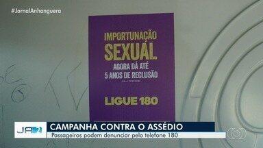 Campanha contra assédio sexual nos ônibus é lançada em Aparecida de Goiânia - Segundo a prefeitura, iniciativa mostra a importância da denúncia e formas de fazê-la. Terminais terão ações educativas e mil ônibus com cartazes da campanha pela cidade.